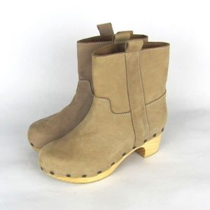 ZARA Woman Tan Suede Wooden Sole Studded Boots 7.5